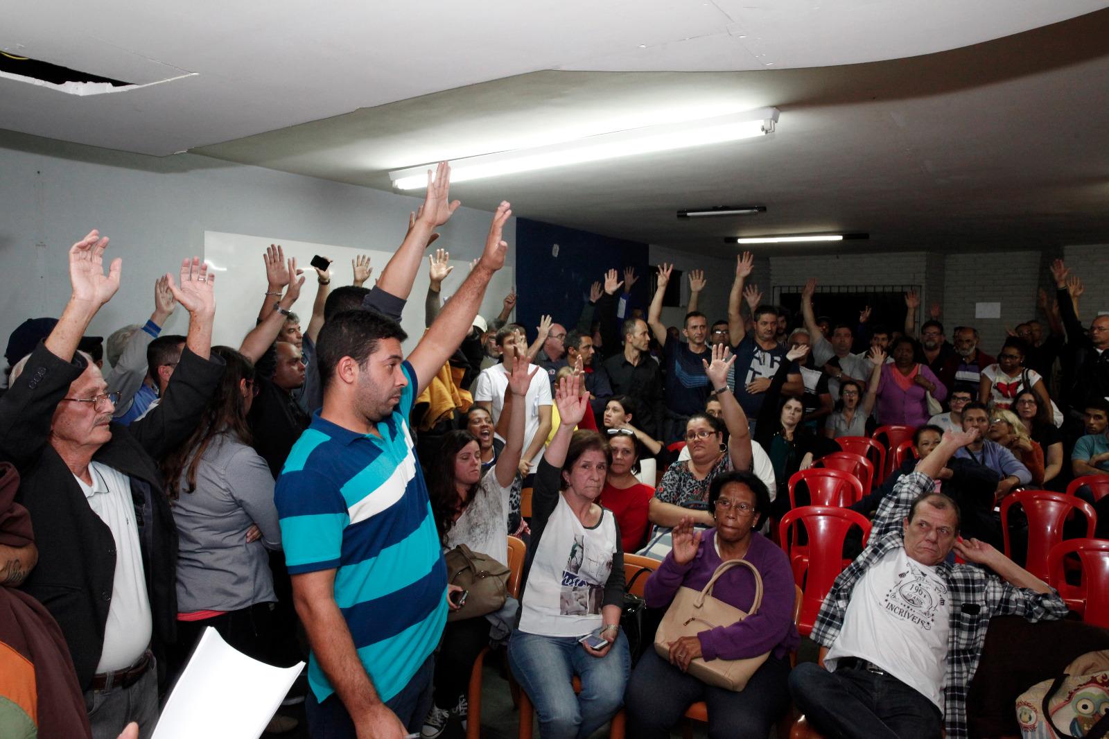 Imagem de Servidores elegem Comissão que vai negociar pauta da Campanha Salarial com prefeito Paulinho Serra